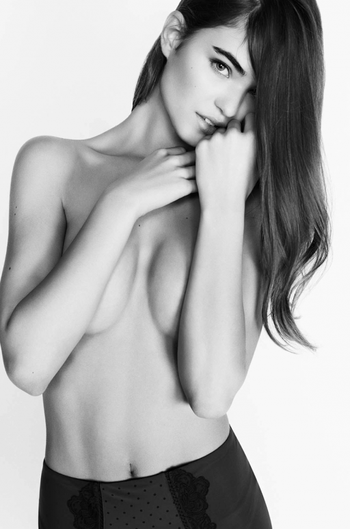 Renée Valeria photos